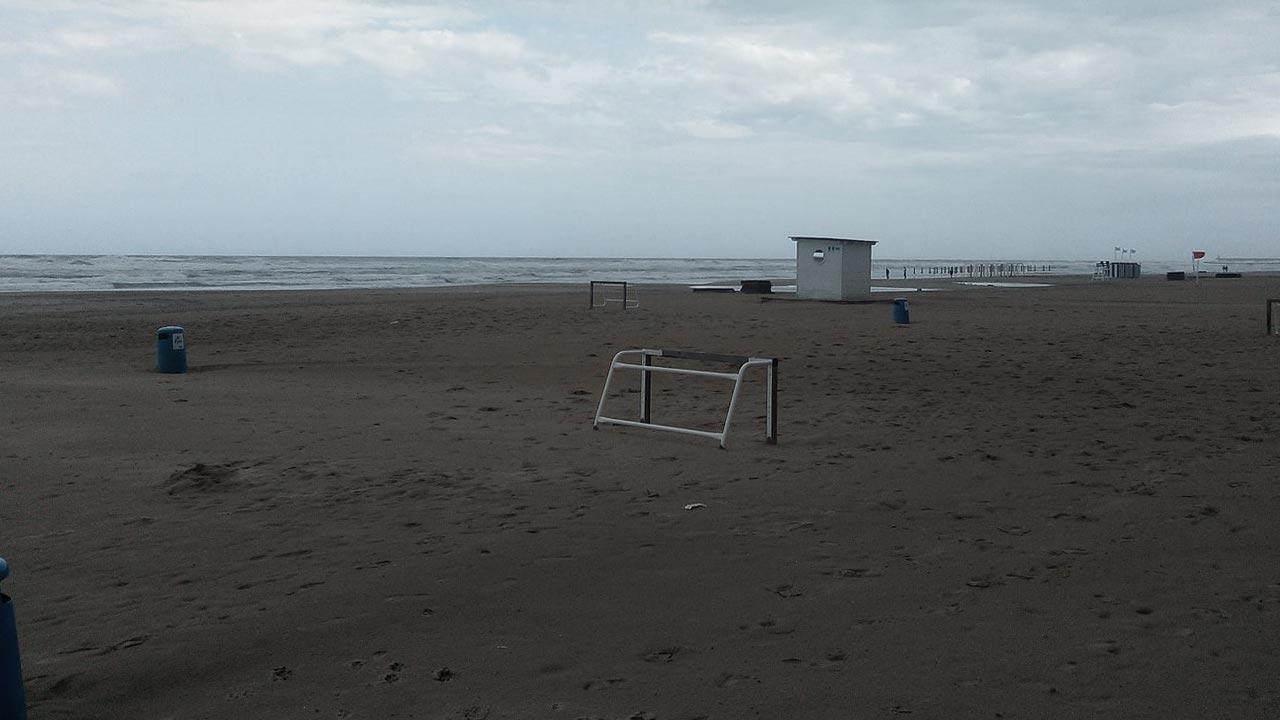 Gandia cierra su playa, «No estamos de vacaciones»